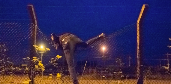 Fences in Calais Protect Ministers – Not Refugees